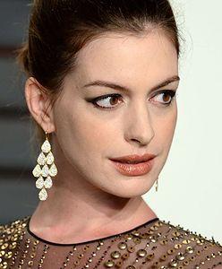 """6-letni chłopiec uratował siostrę przed atakiem psa. Anne Hathaway: """"Potrafię rozpoznać superbohatera, kiedy go widzę"""""""