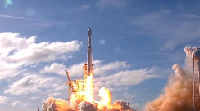 Falcon Heavy poleciał! Niesamowite osiągnięcie Elona Muska