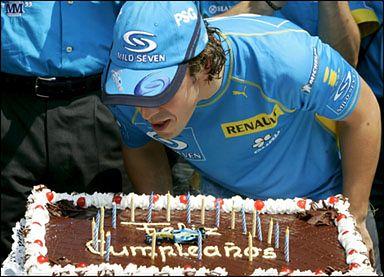 Przed startem Hiszpan Alonso świętował swoje urodziny