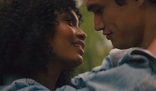 """""""Słońce też jest gwiazdą"""" to świetny romans z 2019 roku"""
