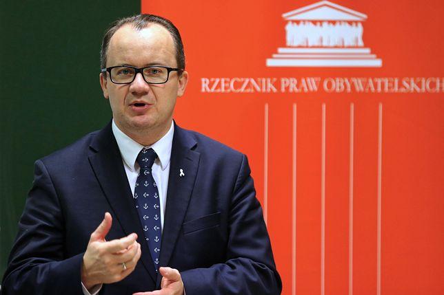 Rzecznik praw obywatelskich interweniuje na uczelni o. Rydzyka. Poszło o opinię od proboszcza