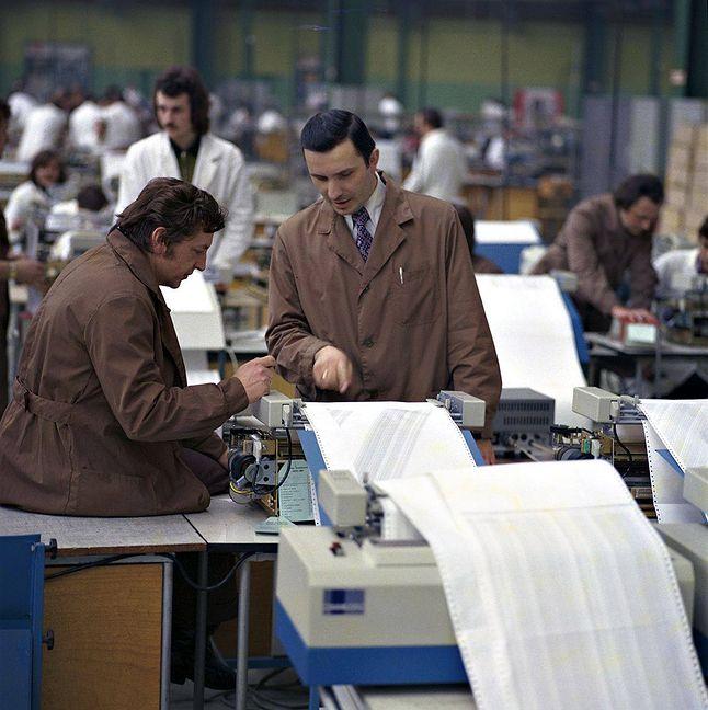 Hala montażowa drukarek DZM-180 w Zakładach Mera Błonie - inne zdjęcie z kolekcji