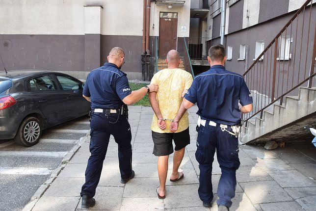 24-latek przewoził w bagażniku ciało swojej matki. Są zarzuty