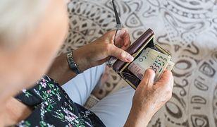 Garnki dla seniorów za 5 tys. zł. Tak działają naciągacze