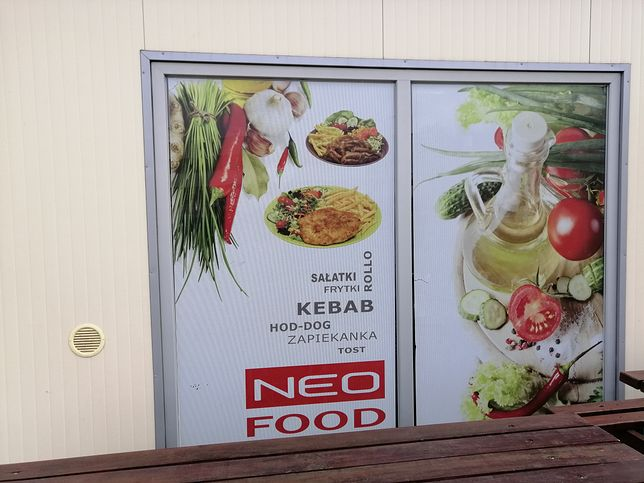 """Kebab, hot-dog, więcej coli niż wody. W szpitalach łatwiej o """"śmieciową"""" żywność niż o owoce"""