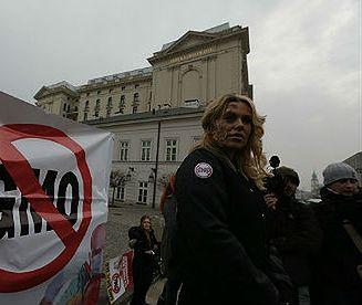 Protest przeciw GMO przed Pałacem Prezydenckim