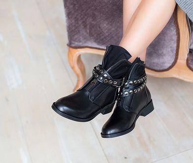 Charakterystyczny styl botków z wyrazistymi akcentami będzie dobrą odmianą dla klasycznych nudnych butów