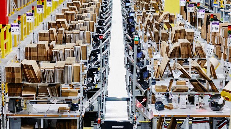 Ekspresowe tempo rozwoju Amazona w Polsce. Dwa nowe centra w 2017 roku