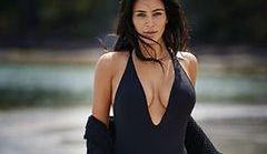"""Kim Kardashian w kostiumie kąpielowym w """"Editorialist"""""""