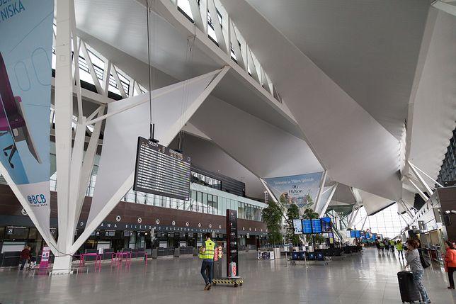 Alarm bombowy na lotnisku w Gdańsku. Ewakuacja