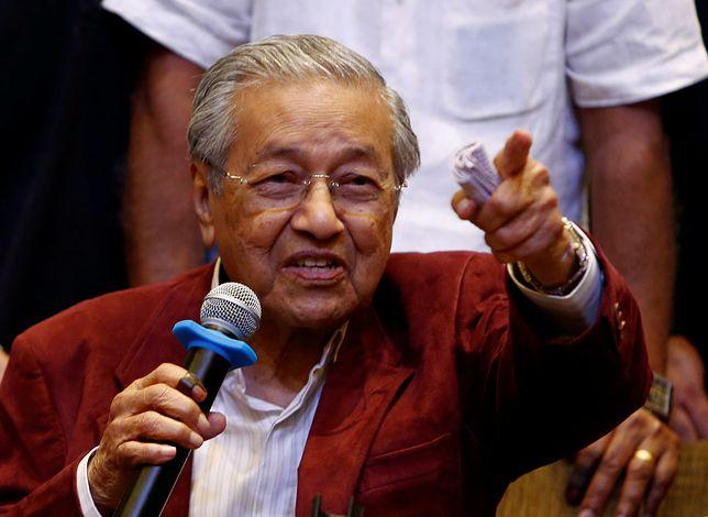 """Wyborcy zaufali dosłownie """"staremu"""" wyjadaczowi. 92-letni Mohamad został premierem Malezji"""