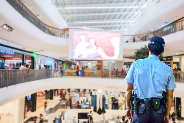 Co wolno ochroniarzowi w supermarkecie? Poznaj swoje prawa