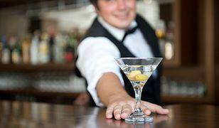 Polaków nie stać na drinka po pracy. Obiad na mieście też poza zasięgiem