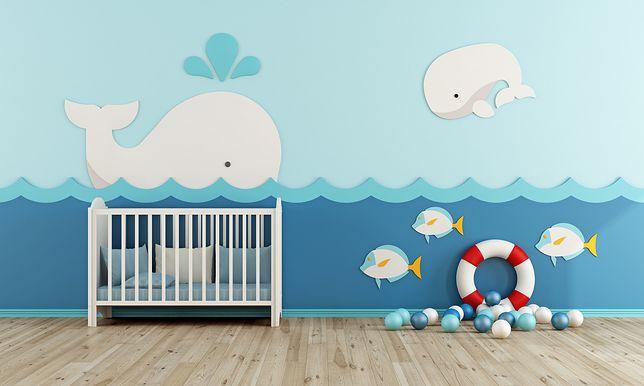 Styl marynistyczny potrafi zainspirować do urządzenia pokoju dla niemowlaka