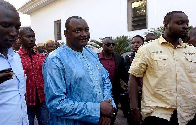 Armia Senegalu wkroczyła do Gambii by zapewnić zmianę na stanowisku prezydenta