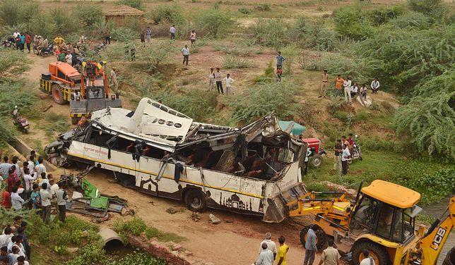 Indie. Tragiczny wypadek. 29 osób nie żyje, wiele jest rannych