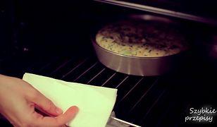 Puszysty omlet z szynką i serem. Prosty przepis