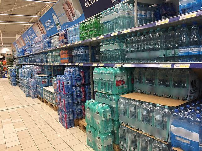Groźny bisfenol w plastikowych butelkach z wodą. Sami go uwalniamy