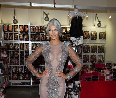 Micaela Schaefer: zmieniła kolor włosów na siwy i wreszcie się ubrała