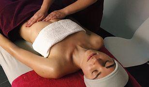 Relaksacyjny masaż to idealne uzupełnienie zabiegu