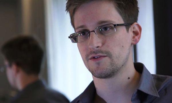 Rossijskaja Gazieta: Snowden dostał zezwolenie na 3-letni pobyt w Rosji