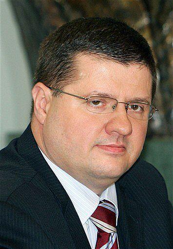 NBP kupi sobie samochody za 3,5 mln zł