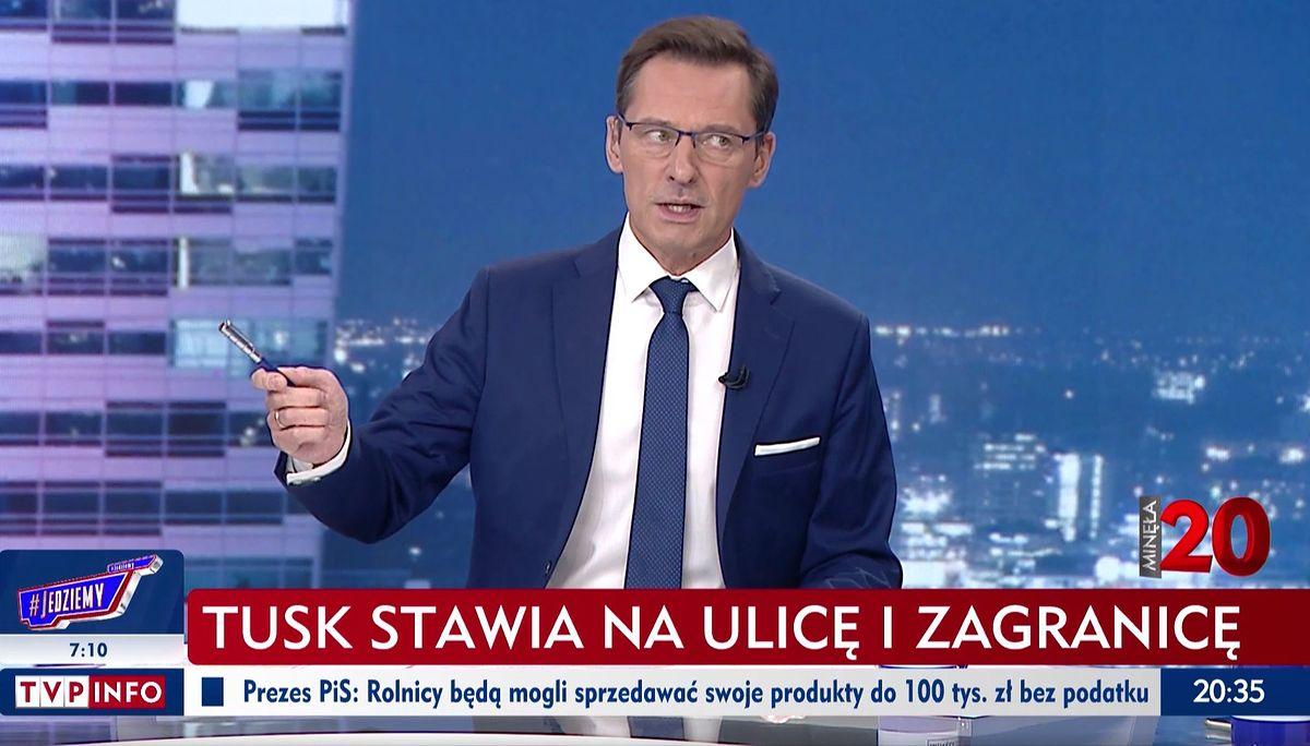 """Krzysztof Ziemiec prowadził program """"Minęła 20"""" w trakcie prounijnej manifestacji"""