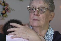 """""""Bóg dał mi prezent"""". 78-letnia kobieta przez 34 lata wychowała ponad 80dzieci"""