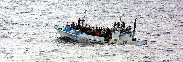 50 uchodźców nie żyje. Przemytnicy wyrzucali ludzi z łodzi u wybrzeży Jemenu