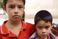 Dzieci w zamkniętych szkołach, rodzice w obozach reedukacyjnych. Tak Chiny traktują muzułmanów