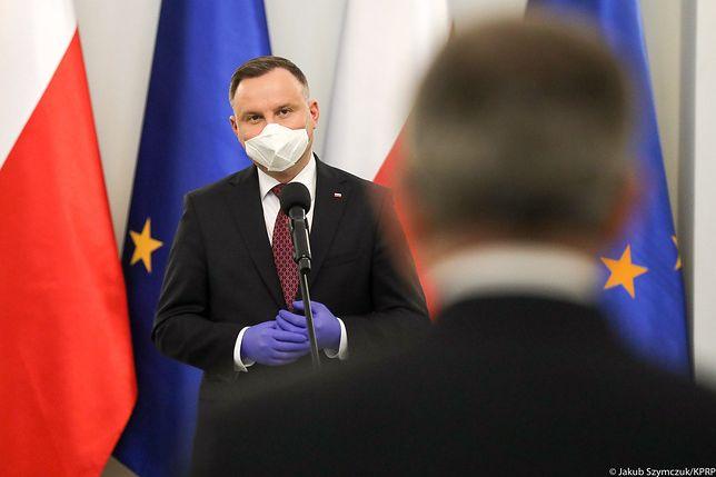 """Koronawirus w Polsce i wsparcie dla onkologii. """"Zamrożony"""" Fundusz Medyczny Andrzeja Dudy"""
