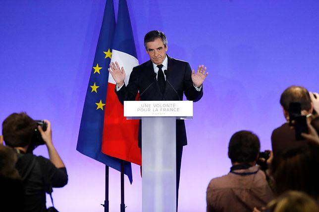 Politycy apelują o poparcie dla Emmanuela Macrona