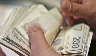 Koniec pogoni za pieniądzem? Polacy już się w miarę dorobili