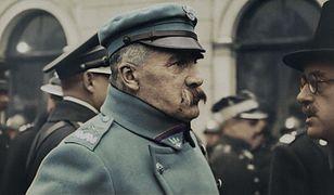 W filmie pojawia się również marszałek Piłsudski