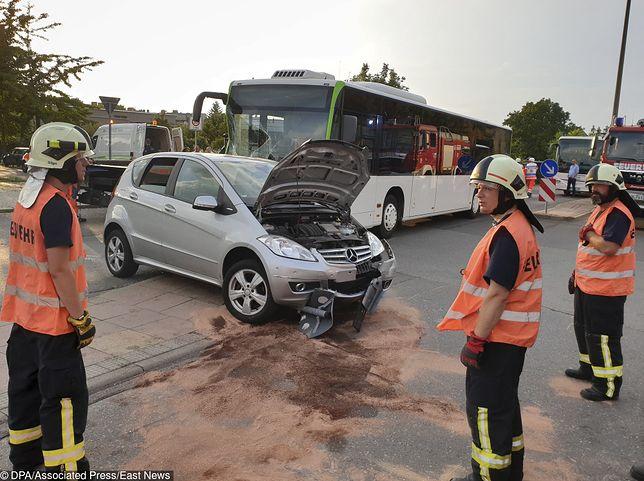 Wypadek w Brandenburgu. Mercedes zderzył się z autokarem