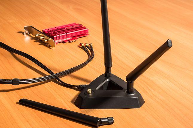 PCE-AC68: trzyantenowa karta Wi-Fi od Asusa