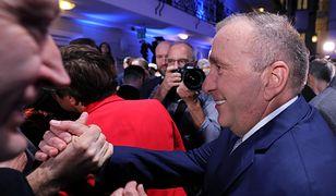 Grzegorz Schetyna na wieczorze wyborczym się uśmiechał, ale niemiecka prasa go ostro krytykuje