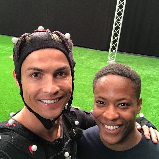 Promuje Coca-Colę i jest kumplem Cristiano Ronaldo. Nawet nie jest prawdziwy