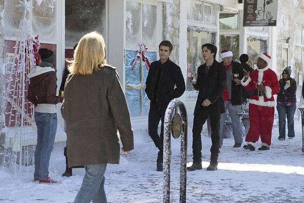 Pamiętniki wampirów sezon 7, odcinek 9: Niczym lód (Cold As Ice)
