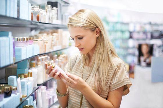 Wybierając kosmetyki w drogerii, zwróćmy uwagę na zawartość naturalnych składników