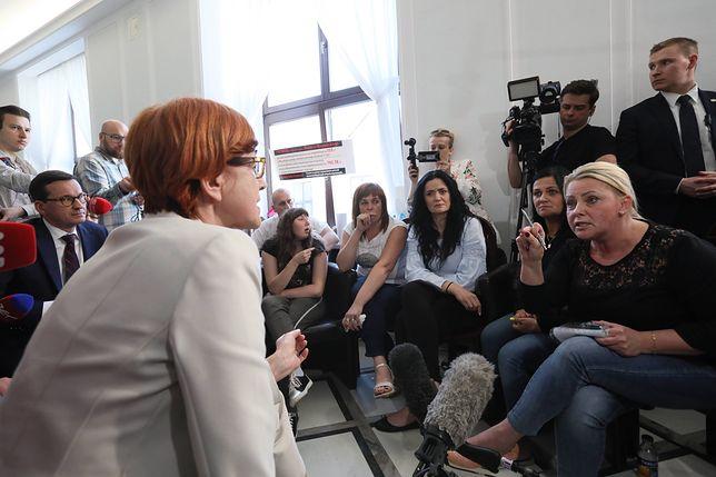 Protest rodziców niepełnosprawnych dzieci. Minister Rafalska pojawiła się niespodziewanie w Sejmie