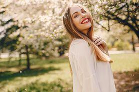 Czy wiesz, czego potrzebuje Twoja skóra na wiosnę? Poznaj moc wiesiołka