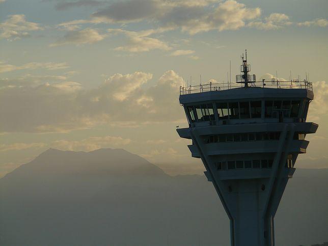 Kontrolerzy lotów ostrzegają przed skutkami cięć budżetowych