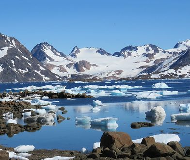 Grenlandia zarobi na zmianach klimatu. Będzie sprzedawać wodę z lodowców