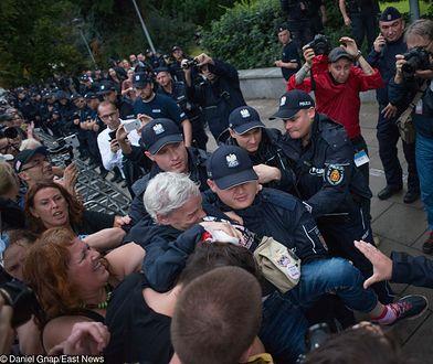 Protesty przed Sejmem. Są zarzuty