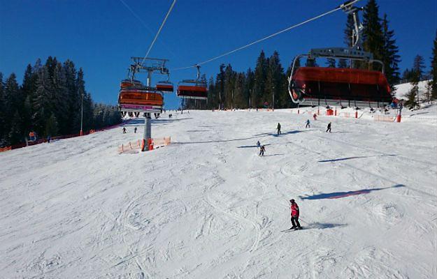 Policjanci ruszyli na stoki narciarskie. Za alkohol i brak kasku na stoku grożą kary