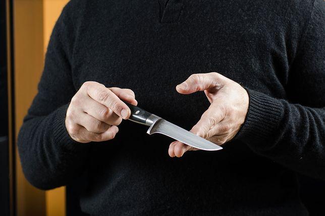 Napastnik groził politykowi nożem