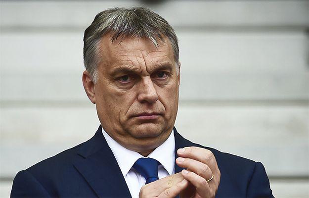 Viktor Orban proponuje internować wszystkich uchodźców w jednym obozie. Na wyspie poza Unią Europejską