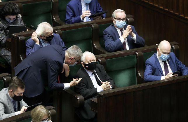 PiS powiększy klub? Trwają rozmowy z posłami Koalicji Polskiej