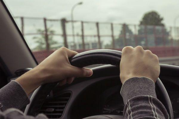 Biały kierowca taxi na żądanie? W tym kraju nie ma problemu